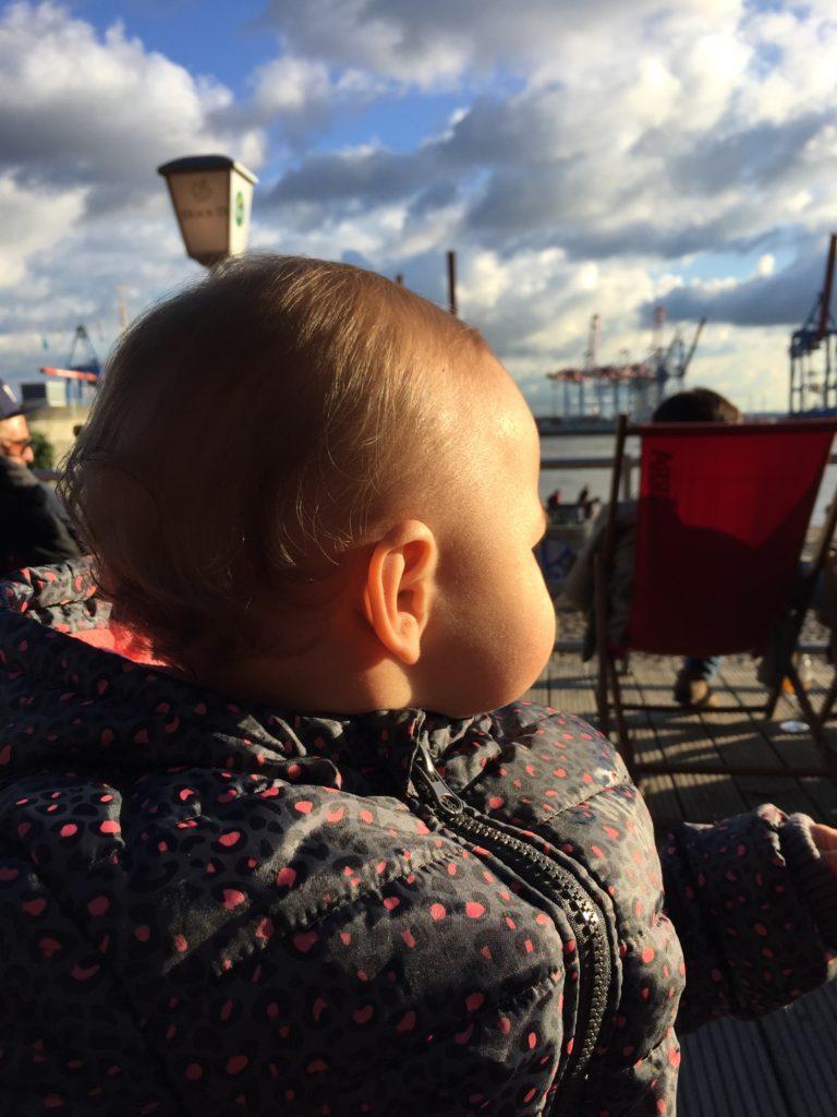 Baby in der Sonne