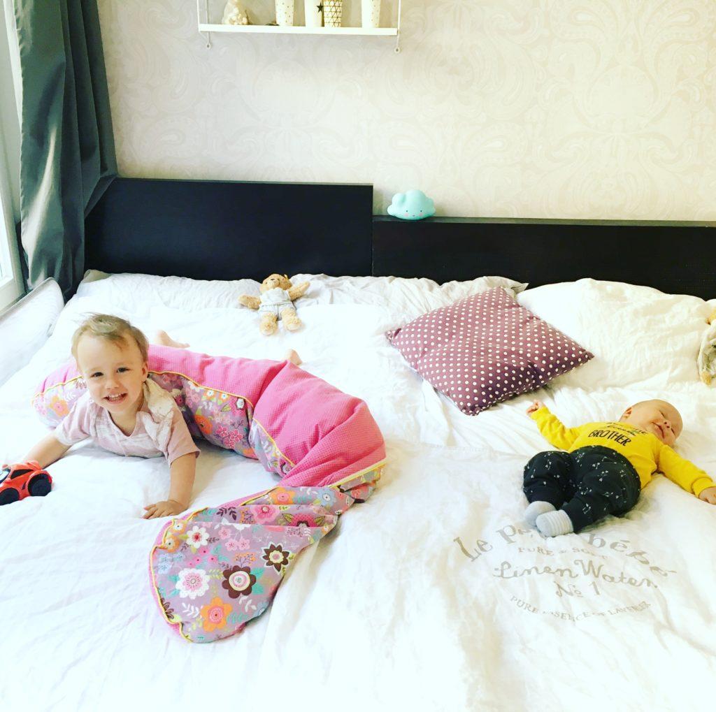 Familienbett mit Kleinkind & Neugeborenem/Baby ⋆ Bunt wie Konfetti